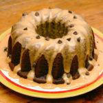 Torta de chocolate con glaseado de maní